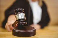 empresa fuera de la ley