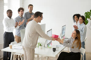 Da un regalo a tus empleados