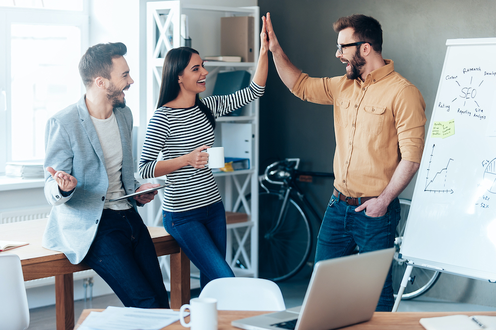 10 consejos para mantener una actitud positiva en el trabajo