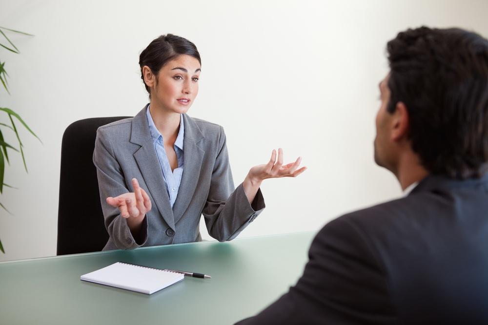 Seis preguntas de entrevista comunes y cómo responderlas